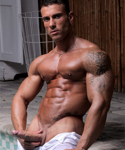 gianluigi volti on muscle hunks