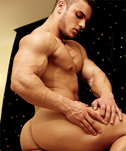 muscle hunks kevin conrad